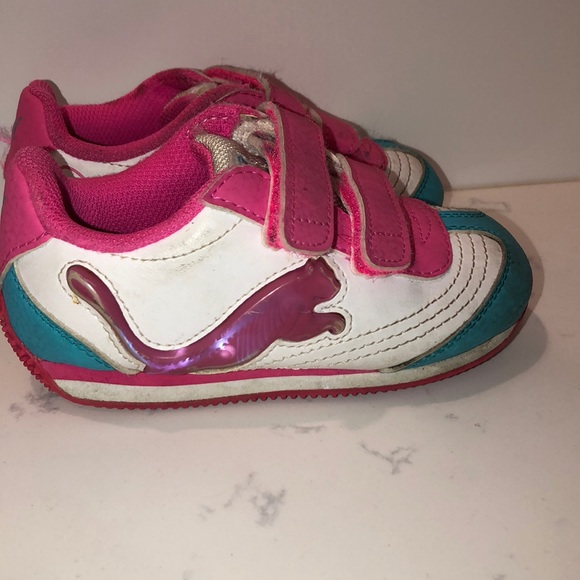 Puma Other - Girls Puma light up sneakers size 7